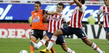 Agónico triunfo de Chivas frente al Pachuca por 1-0