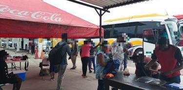 Autoridades interceptan a 71 migrantes en Veracruz