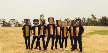 Sonido Gallo Negro celebra una década de innovar el sonido de la cumbia