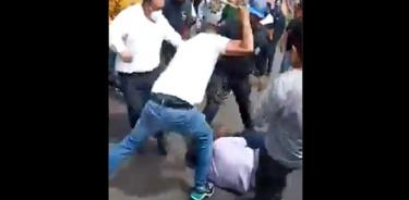 Vecinos enfurecidosintentanlinchar a presunto ladrón en Tlalpan