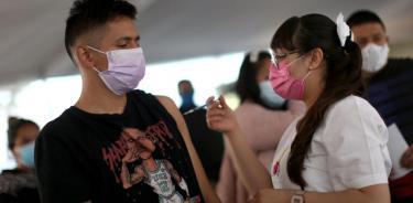 Anuncian vacunación para centennials en 14 municipios mexiquenses