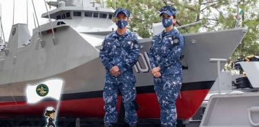 Marina premia creación de embarcaciones con material reciclable por 200 años de la Armada de México