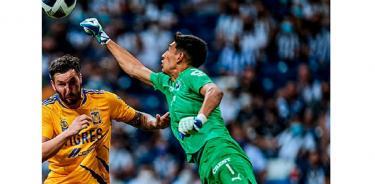 Monterrey vence 2-0 a los Tigres, en el Clásico del norte