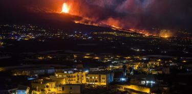 Las imágenes y videos más sobrecogedores de la erupción del volcán en España