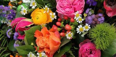Obsequiar flores en algunas civilizaciones
